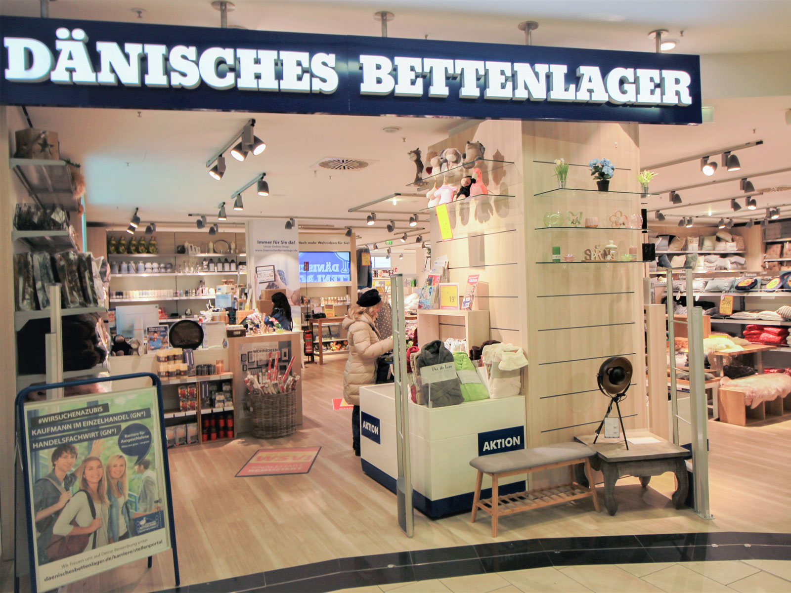 d nisches bettenlager luisenforum wiesbaden einkaufen. Black Bedroom Furniture Sets. Home Design Ideas